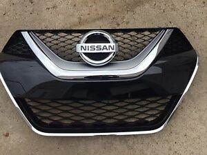 NEW OEM 2016-2018 NISSAN MAXIMA FACTORY GRILLE - COMES WITH EMBLEM