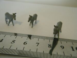Model Railway Scenery 3 hand painted Donkeys 00 Gauge