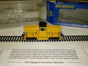 C-8 HO DCC Bachmann GE 44 ton switcher 62201 unlettered tested, runs good OB LN