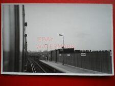 PHOTO  KENTISH TOWN WEST RAILWAY STATION WESTBOUND PLATFORM 18/4/84