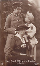 Patriotische Postkarte Prinz August Wilhelm von Preußen mit Familie.