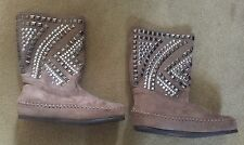 Brand New Yellow Now Mellow Mat Pyramid Boot Taupe Size 6 US, $95.00