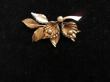 Pin Brooch Vintage Antique Floral Water Lily Imitation Pearl Gold Tone 3D CHIC