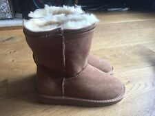 ladies NEW brown zippy boot sheep skin boots size 4