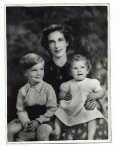 6 x 9 original Marcus Adams Photo Mrs. Barbara Richards Children Martin & Lynn