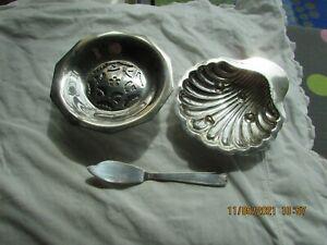 LOT 2  ANCIENS  BEURRIER COQUILLOR COQUILLE ET COUTEAU TARTINEUR METAL ARGENTÉ 2