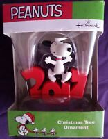 HALLMARK PEANUTS SNOOPY 2017 CHRISTMAS TREE ORNAMENT HOLIDAY NIP