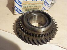 New Genuine Nissan Terrano Vanette Hardbody 1st gear for gearbox 32242-V5002 N26