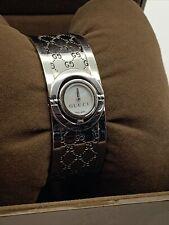 **Needs battery** Gucci 112 Twirl Ladies Watch Womens Dress Bracelet Bangle