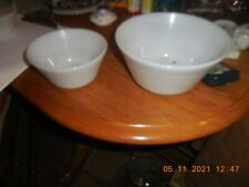 Vintage Federal White Milk Glass Nesting Mixing Bowls Set (3) F shield Oven Ware