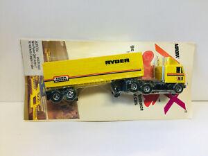 AFX GMC Lighted Truck & Trailer NEW on Card  SUPER  Model Motoring HO Aurora AFX