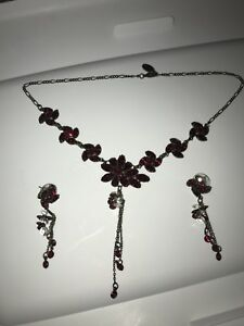 Kenny ma red crystal necklace and Pierced Earrings