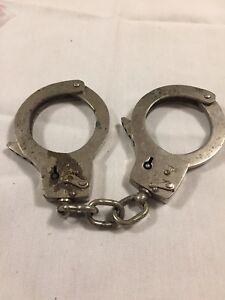 Vintage Chief of Police Monte Carlo Single Link Handcuffs Spain Collectible