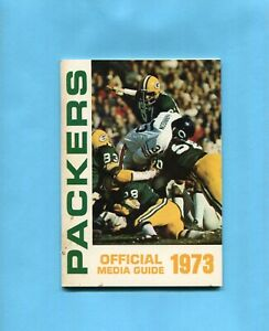 1973 Green Bay Packers NFL Media Guide Green Bay Defensive on cover