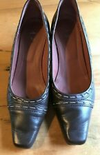 Ladies Brown Leather Clarks Court Shoes Size 5.5