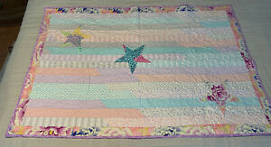 """QUILT 51"""" X 34"""" HOMEMADE PATCHWORK PURPLE FLOWERS BLANKET PERSONILIZED 6-15"""