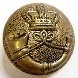 vintage Europe Gold tone metal Crown Bugle horn Blazer picture button 43542