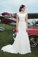 NEW - Stunning Jason Alexander Bridal Gown 8728