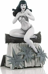 Bettie Page BLACK & WHITE Statue Dynamite Shipping Container Terry Dodson