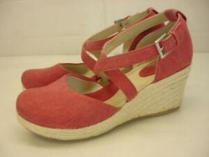 Women's 8 M Born BOC Bree Apple Red Canvas Espadrille Sandals Wedge Ankle Strap