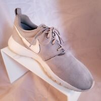 Nike Roshe One GS Big Kids Running Shoes Wolf Grey/White 599728-033 5Y, EUR 37