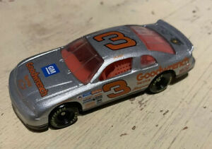 Dale Earnhardt #3 1997 GM Goodwrench Silver Select 1:64 Diecast NASCAR