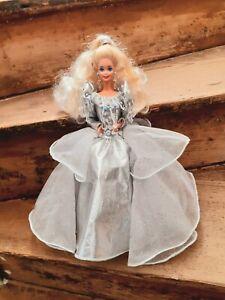 Superbe Barbie Happy Hollidays 1992 très bon état