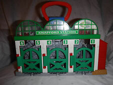 Thomas & Friends Knapford Train Station Take ALONG 2008 GULLANE 14 Track Toy