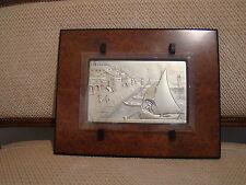 En argent , très jolie plaque d'un port italien , avec un bel encadrement