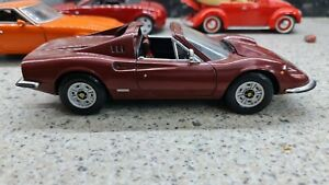 708O Hotwheels 65281 Ferrari Dino 246 GTS Pininfarina 1970 Wine Red 1:18