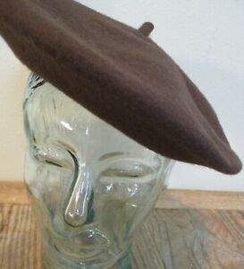 Women's COACH 100% Lambs Wool Dark Coffee Brown Beret SMALL #24307 hat cap