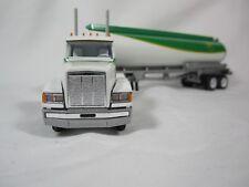 """Winross 1999 British Petroleum """"BP""""  Freightliner FLD120 ELLIPTICAL TANKER"""