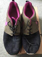 Women's Men's Nike Roshe Run Leather Black Rave Pink Size 7, 542570-011 Used Box