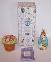 1996 ENESCO BEATRIX POTTER PETER RABBIT & FLOWERPOT SALT & PEPPER SHAKERS IN BOX
