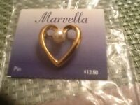Marvella Heart Shape Faux Pearl Gold Tone Pin On Original Card NOS
