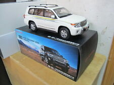 Toyota Land Cruiser LC200 2012 1/18 model car