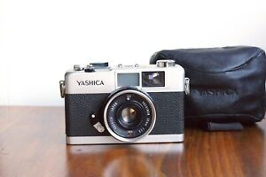 YASHICA 35-ME  Compact 35mm film Camera,  Made in Japan    * Good User/Read *