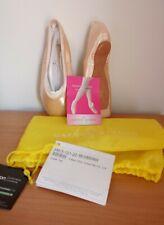 Gaynor Minden Pointe Shoes Size 6 M Extraflex