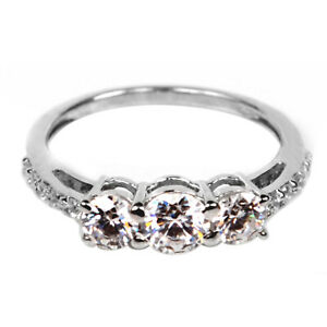 Real 14KT White Gold / 2.00Ct Round Shape Solitaire With Accents Engagement Ring