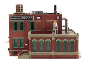 New Woodland O Structure Built-&-Ready Morrison Door Factory BR5848