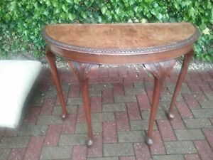 Elegant Vintage Half Moon Console Table With 4 Queen Anne Style Legs