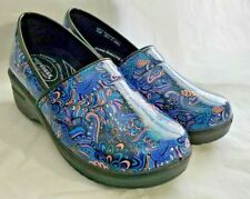 NEW Easy Works by Easy Street Women's Slip-Resistant Clogs Size 8.5 W Blue Pink