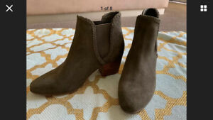 Brand New Women's Khaki Green Suede Ankle Boots By ALDO Stylish Comfort Size 8