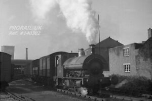 PHOTO UK Industrial Bass Brewery 0-4-0ST loco No. 11 at Burton-upon-Trent 140302
