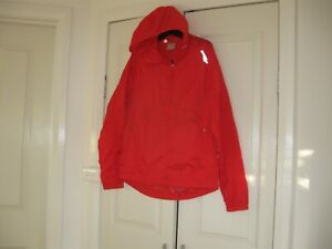 Men's  Rain Jacket with Hood  Design Saucony  Size Small Lined  Polyester 100%