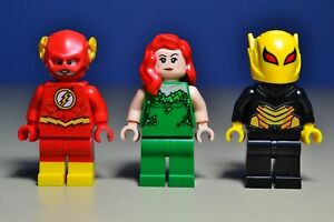 Lego DC Super Heroes Flash Firefly and Poison Ivy Minifigures 76117