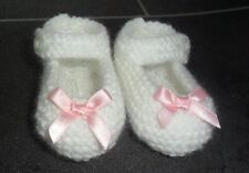 NEW - HAND KNITTED WHITE BABY BOOTEES WITH PINK BOWS - 0-3 MONTHS