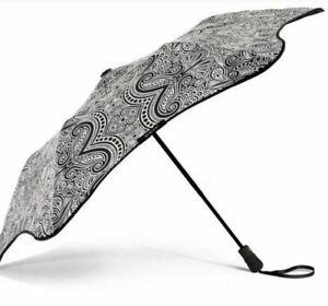 Limited Edition Blunt x fortyonehundred Metro Umbrella ~ BLACK /WHITE PAISLEY
