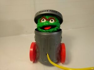 Fisher Price Oscar The Grouch Sesame Street #177 Pop Up Pull Toy t2569