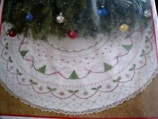 Christmas BUCILLA TREE SKIRT Kit,BOWS & LACE,Embroidery,Crewel Stitchery,82507